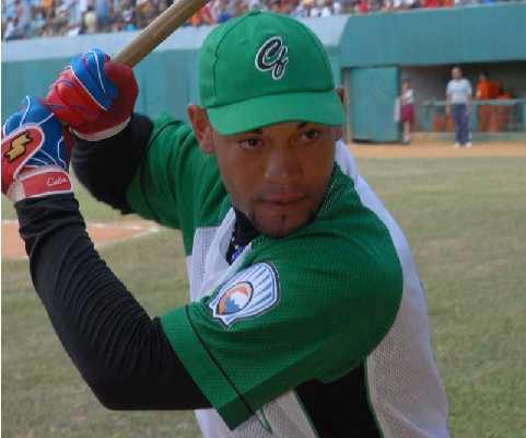 Cienfuegos gana, y empata semifinal del béisbol cubano