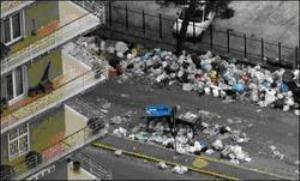 Subastan basura de Nápoles en eBay