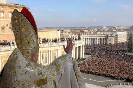 Del Papado y sus historias