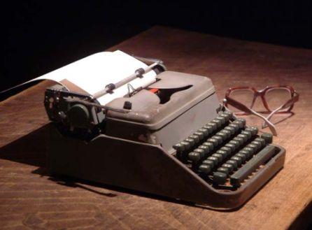 """La máquina de escribir, """"abuelita"""" de las computadores actuales"""