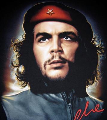 El Che, todavía hombre común y héroe eterno