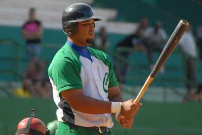 Cienfuegos ganó su primer juego en la Serie Nacional de Béisbol y se libró de la barrida
