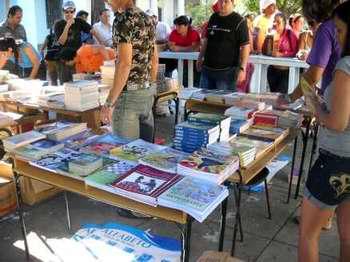 Comenzó la fiesta de los libros en Cienfuegos